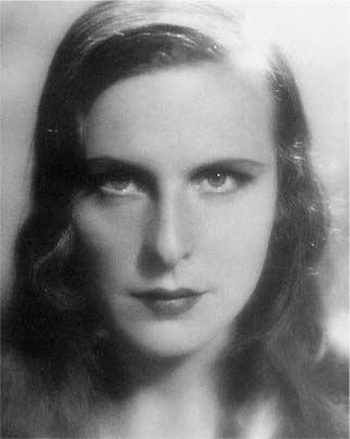 olympia leni reifenstahl It was for olympia that reifenstahl pioneered numerous leni riefenstahl made a number of lengthy visits to leni: the life and work of leni riefenstahl.